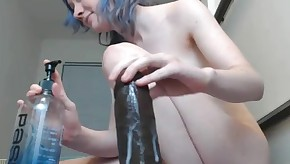 dildo in her pussy put his orgasm / squirting